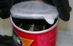 Amerikietis bulvių traškučių dėžutėse slėpė kobras