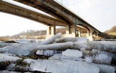 Kauną išgražino įspūdingi ledo luitai