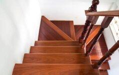 Mediniai laiptai girgžda: kaip pašalinti šį defektą
