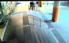 Sidnėjuje išgelbėtas susideginti bandęs vyras