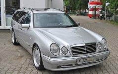 Parduodamas M. Schumacheriui priklausęs universalas
