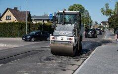 Rekonstruota gatvė vėl remontuojama