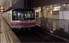 Po incidento Tokijo traukinyje į ligoninę nuvežta pustuzinis žmonių