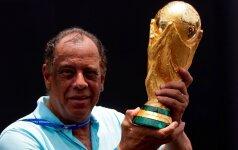 Mirė Brazilijos futbolo legenda Carlosas Alberto