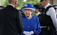 D. Britanijos karalienė išsakė ambicingus lūkesčius