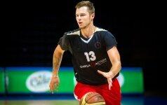 Du lietuviai tenkinosi Estijos krepšinio pirmenybių sidabru