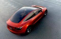 """""""Tesla"""" nesurinko prognozuotų lėšų iš investuotojų naujojo """"Model 3"""" gamybai"""