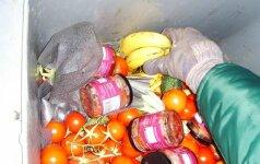 Fryganizmas Lietuvoje: kartais konteineriuose maisto tiek, kad neįmanoma panešti