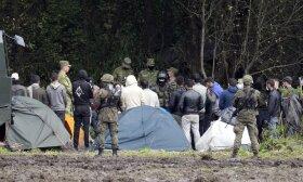 Migrantai tarp Baltarusijos ir Lenkijos pasienių
