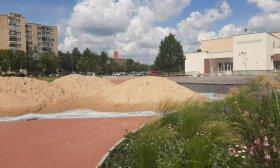 Utenos centre atsiradę smėlio kalnai sukėlė susidomėjimą: ar bus sekama Vilniaus pavyzdžiu?