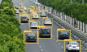 Robotas mokosi atpažinti objektus