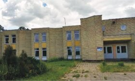 Buvęs Kunionių mokyklos pastatas tuščias bus nebeilgai