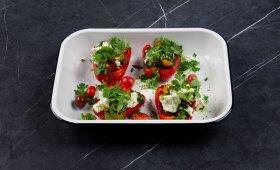 Paprika, įdaryta pomidorais