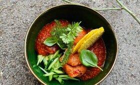 Šalta pomidorų sriuba su pikantišku šerbetu pagal Alfą Ivanauską
