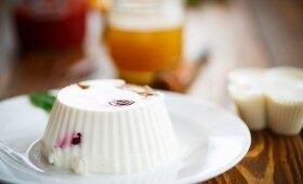 SKANUMĖLIS: desertinis sūris su želė ir uogomis