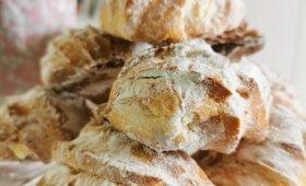 Plikyti sausainiai su varškės kremu