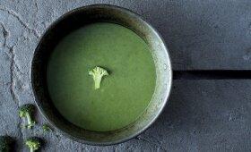 Lengva brokolių ir špinatų sriuba, kurios neatsisakys net vaikai