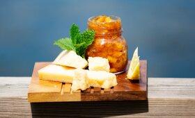 Pikantiška uogienė, kuri nudžiugins visus sūrių ir užkandžių mėgėjus