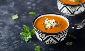 Saldžių bulvių, morkų ir imbiero sriuba