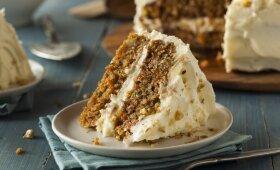 Morkų tortas su anakardžių kremu