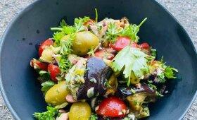 Keptų baklažanų ir pomidorų salotos jūsų piknikui pagal Alfą Ivanauską