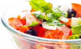 Lengvos salotos su daržovėmis ir tunu