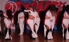 Merginos su antpečiais: Maskvos CSKA šokėjos