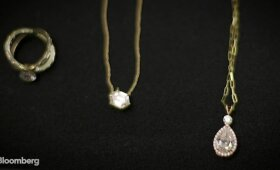 Pramonę drebina laboratorijoje užauginti deimantai