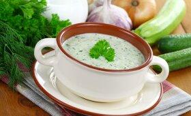 Geriau už ŠALTIBARŠČIUS: šalta cukinijų sriuba