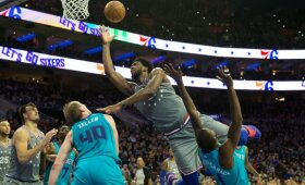 NBA naktis: Embiido dominavimas, australo karjeros naktis ir pergalingas metimas