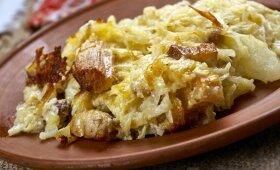 Neatsivalgysite: bulvinės bandos ant kopūstlapio su grietinės ir šoninės padažu