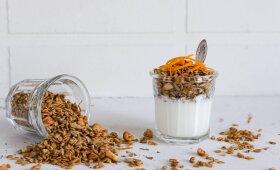 Apelsininė granola su prieskoniais