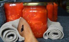 Pomidorai savo sultyse be sterilizavimo