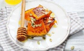 Pasakiškai skanus desertas: keptas moliūgas su medumi