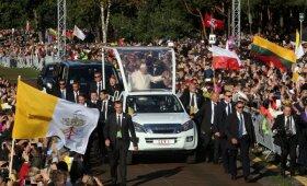 Popiežius Pranciškus atvyko į Kauno santaką