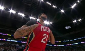 """Žvėriškas Daviso pasirodymas leido """"Pelicans"""" pranokti """"Thunder"""""""