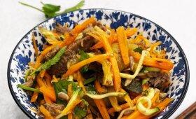 Greitai paruošiamos kiniškos salotos pagal Alfą Ivanauską