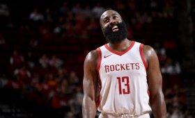 """""""Rockets"""" beveik pusšimčio taškų skirtumu nušlavė kinų klubą, """"Thunder"""" po pratęsimo palaužė """"Bucks"""""""