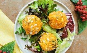 Halloumi sūrio kamuoliukai su morkomis