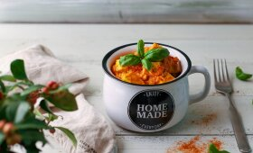 Aromatingas tofu troškinys pomidorų padaže