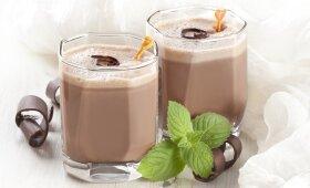 Burnoje tirpstantis šokoladinis gėrimas su lazdyno riešutais