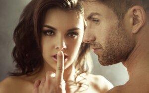 5 melo frazės, kurias ištaria VISOS moterys