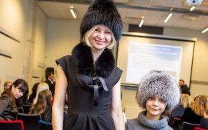 V. Malevska: ant podiumo - su dukra