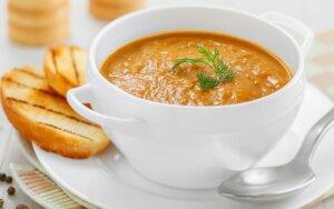 Šildanti trinta morkų sriuba