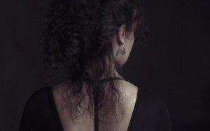 Moters istorija – jos skausmas, vienišumas ir savęs paieškos