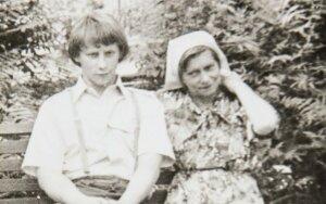 Juliaus Sasnausko archyvo nuotraukos, Sibire su mama