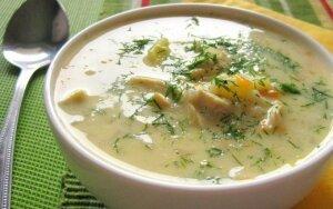 Soti ir skani sūrio sriuba su vištiena