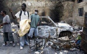 Viltis tarp griuvėsių. Europa remia Haitį