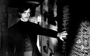 Kraupių istorijų kūrėjas Edgaras Allanas Poe vedė savo 12-metę pusseserę, tačiau už laimę sumokėjo labai skaudžiai