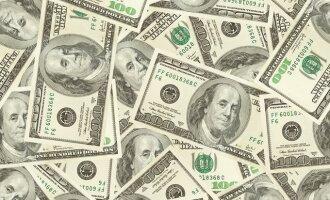 Anoniminis Kalėdų Senelis išdalijo 100 tūkst. dolerių nuo uragano nukentėjusiems žmonėms